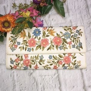 Vintage Floral Embroidered Clutch Purse Unbranded